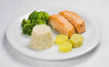 Salmão grelhado c/ brócolis